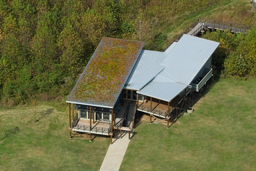 Shelby Bottoms Nature Center - green roof